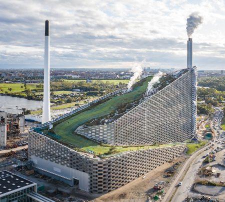 <h1>Copenhill / Amager Bakke</h1> <p>BIG – Bjarke Ingels Group, SLA<br/>Winner for the year 2020 in architectural design</p>